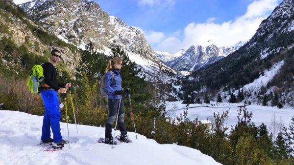 Excursión con raquetas de nieve Aigüestortes (1/2 día)