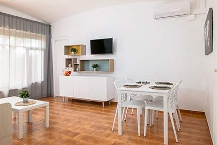 salon apartamentos benelux