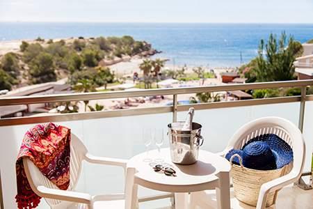 terraza hotel ametlla mar