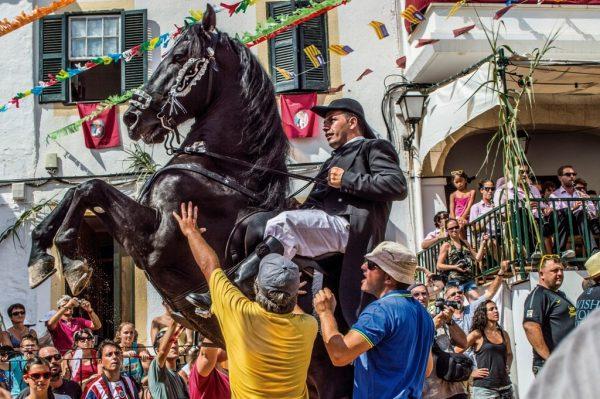 Vive un San Juan mágico en Menorca