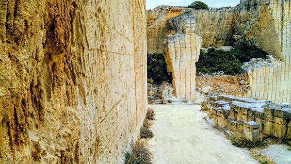 Qué visitar en Menorca: Canteras de s'Hostal