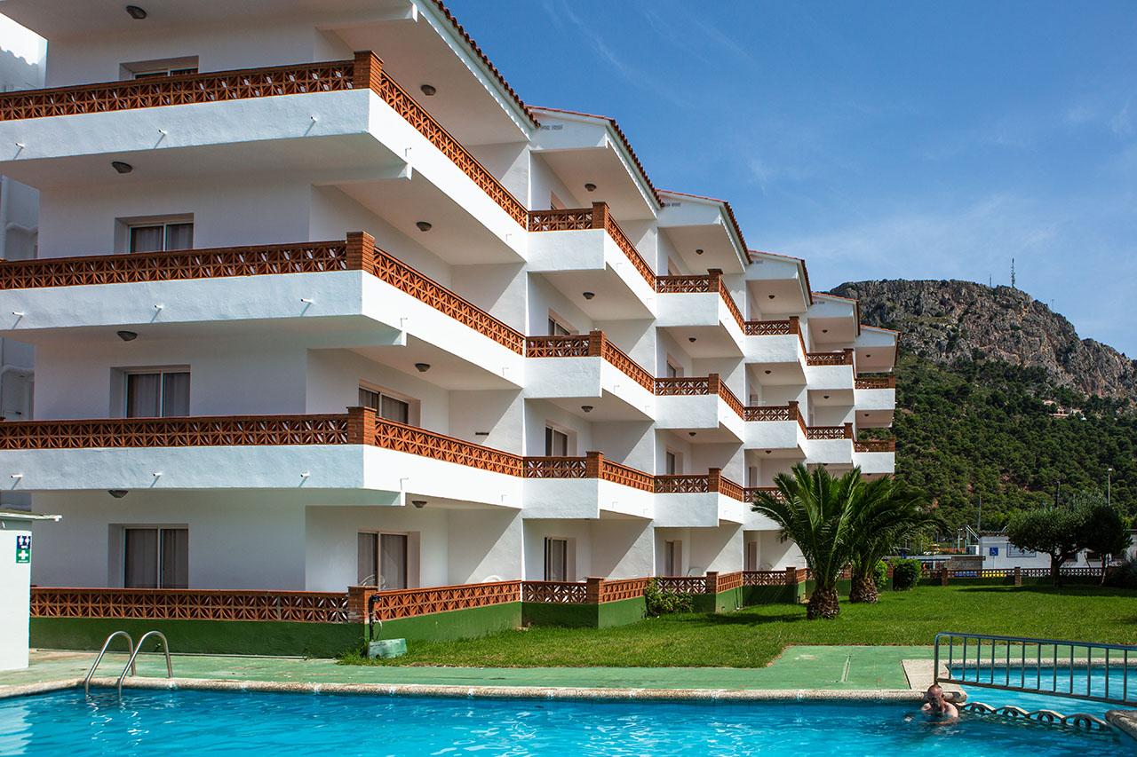 Apartamento en l 39 estartit costa brava quijote rv hotels - Apartamentos en costa brava ...